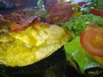 Gefüllte Hähnchenbrust mit Mozzarella-Tomate-Pesto