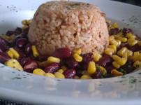 Tomaten-Chilli Reis mit leckerem Bohnengemüse