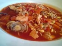 Mit Pekingsuppe und Sushi einen asiatischen Abend feiern