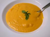 Kinderleichte Butternuss-Kürbissuppe mit wenig Zutaten