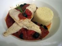 Gedünstetes Fischfilet mit Gemüse und Couscous