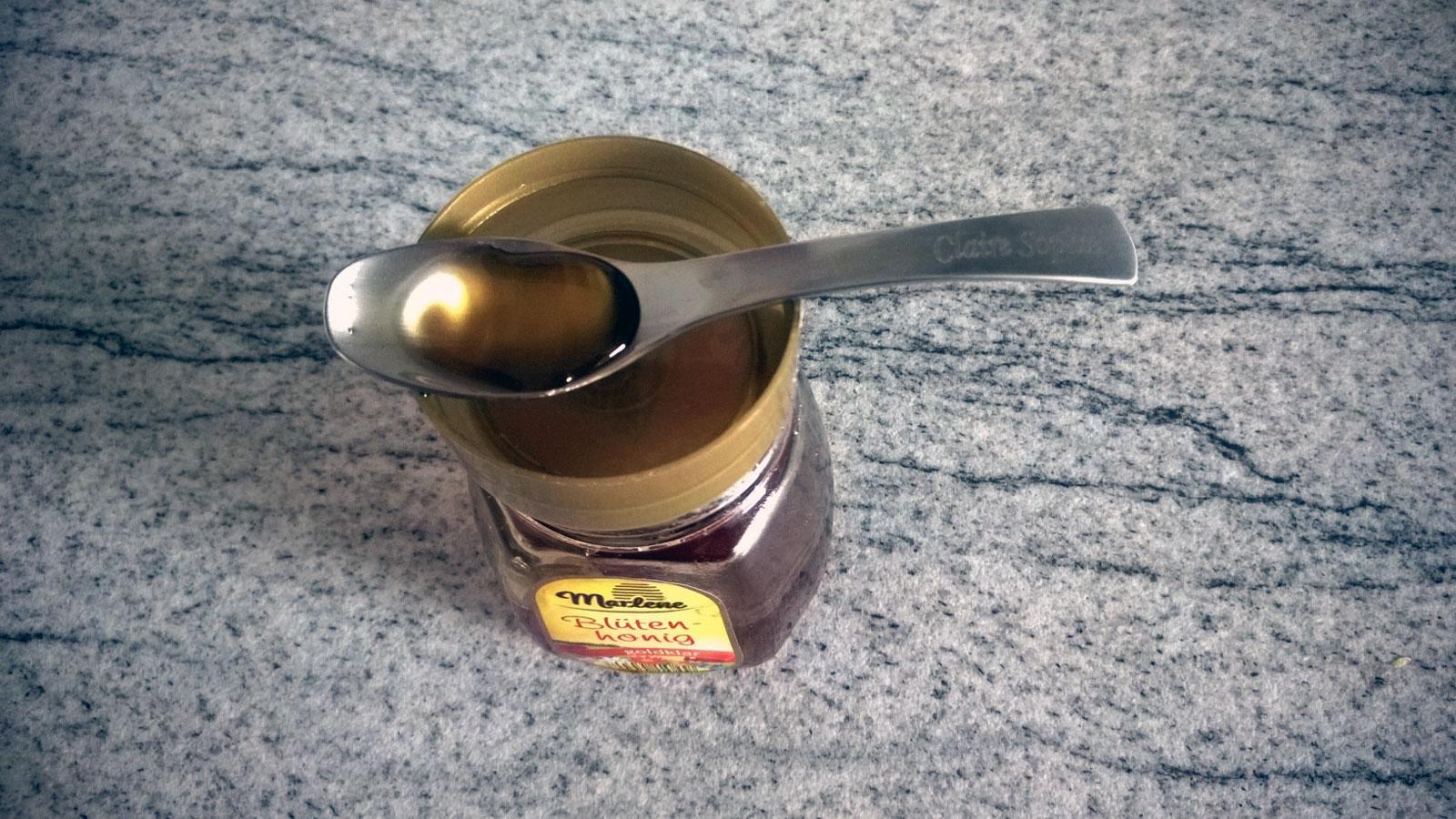 Dürfen Babys Honig essen