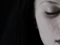 Die Gedanken eines Teenagers mit Jugend-Depressionen