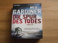 """Spannende Unterhaltung erhält der Leser in """"Der Spur des Todes""""!!"""