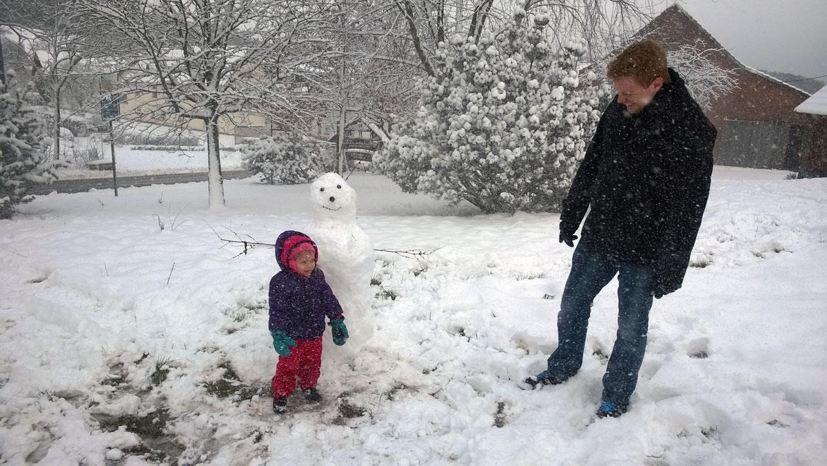 Schneemanbauen