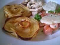 Kartoffelrosen mit Rahmgemüse und Hühnchen
