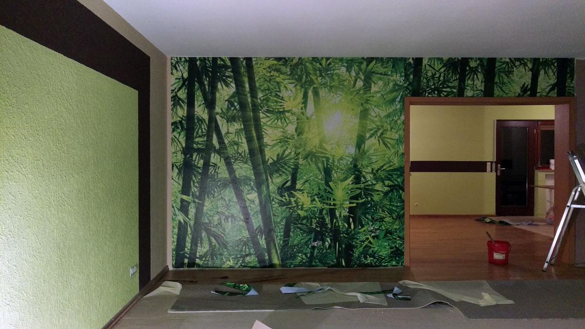 Bambustapete an der Wand