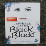 """Black Blade-Die helle Flamme der Magie"" {Rezension}"