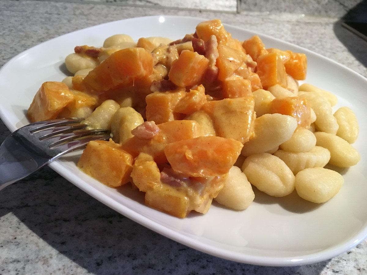 Gnocchi in Kürbis-Soße
