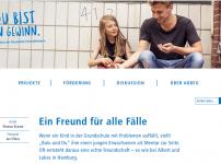 """Autorin Lena stellt sich im Rahmen der """"Du bist ein Gewinn""""-Aktion vor {Sponsored}"""