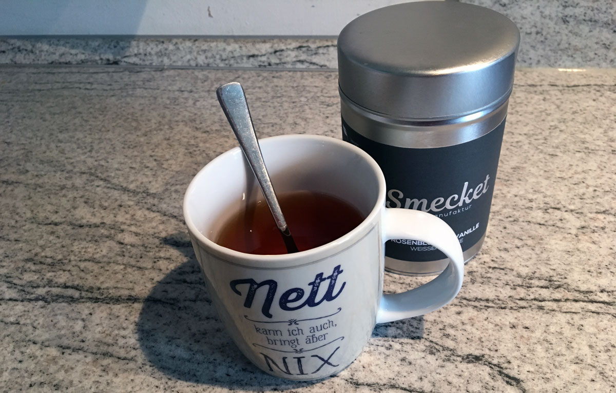 Smecket Tee