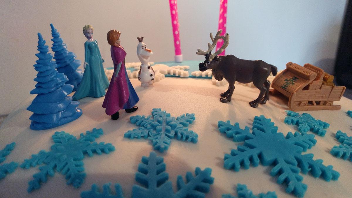 Meine Erste Fondant Torte Im Elsa Style Anfangertauglich