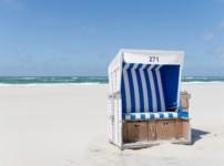"""Aktionsbeitrag zu """"Tod im Strandkorb"""": Strandkörbe und ihre Geschichte"""