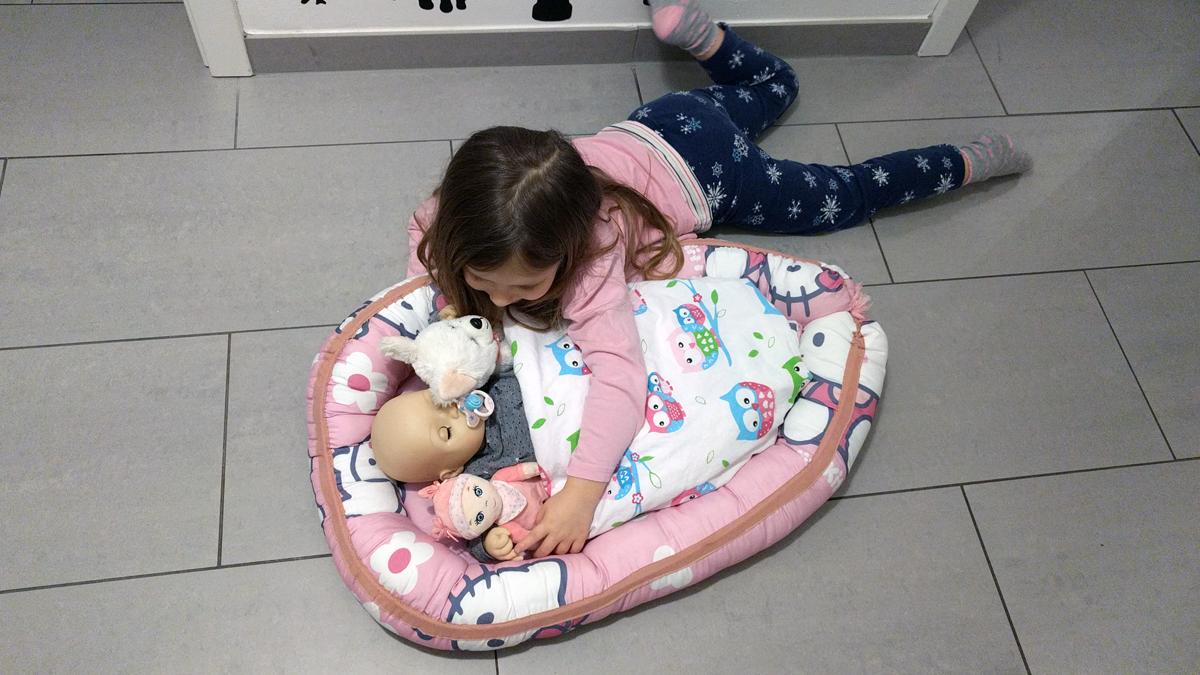 Spielen mit Baby Annabell